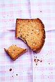 Aniseed melba toast, broken