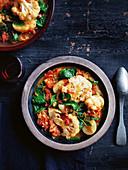 Blumenkohl-Kartoffel-Eintopf mit Spinat und Ingwer