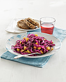 Red cabbage with apples and red wine
