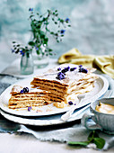 Mille Feuille aus Filloteig mit Lavendel
