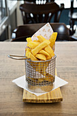 Chips in a mini frying basket