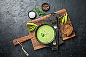 Broccoli cream soup with peas