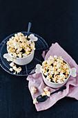 Chocolate cup cakes with popcorn