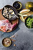 Pipis, sugar peas, goat shoulder, Piel de sapo (toad skin melon)