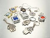 Small Judaica symbols
