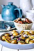 Ofenkartoffeln mit Knoblauch und Zitrone