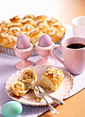 Afbreek Paasbrood – Dutch Easter bread with a marzipan filling