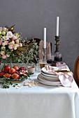 Festlich gedeckter Tisch zum Pessachfest