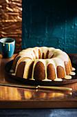 Milchfreier Ahornsirup-Lavendel-Napfkuchen