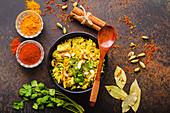Biryani mit Huhn und Cashewkernen (Indien)