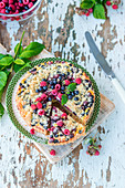 Berry crumble cake