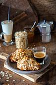 Mandel-Croissants zum Kaffee