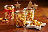 Spicy nut mix in glass jars (Christmas gifting)