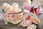 Colourful Christmas meringues in a jar