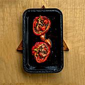Gefüllte Paprika mit Kapern, Tomaten und Anchovis (Provence, Frankreich)