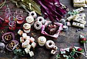 Verschiedenes süsses Gebäck, Kuchen und Süssigkeiten