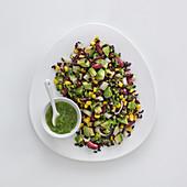 Venere-Reissalat mit Kidneybohnen, Avocado und Maiskörnern