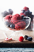 Blackberry sorbet with fruits of the forest