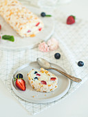 Pavlova with mascarpone cream and berries