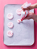 How to make spiral meringue cookies