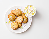 Pistachio cookies with sea salt and vanilla cream cheese