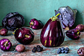 Violet fruits and vegetables