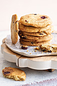 Cranberry and peanut cookies