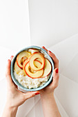 Cauliflower rice pudding with caramelized apples