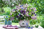 Blau - violetter Frühsommer - Strauß