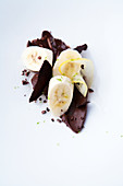 Banana dessert with dark chocolate and lemon