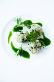 Bread dumplings with parsley