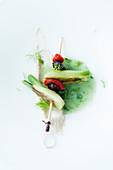 Fenchelfond mit Spiess von Fenchel, Tomate und Olive