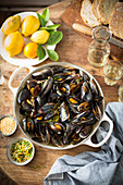 Mussels and citrus frutis