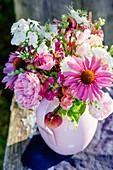 Strauß aus Rosen, Sonnenhut, Phlox und Löwenmäulchen