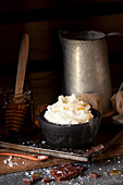 Whipped cream flavoured with salt and honey