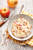Gluten-free porridge with apple and flaxseed
