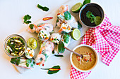 Summer rolls with shrimps and dips (Asia)