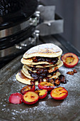 Grilled mini pancakes with prunes