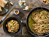 Spaghetti Pasta With Bread Crumbs and Anchovies, Sicilian Style