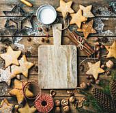 Sternförmige Lebkuchenplätzchen für Weihnachten