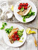 Fischfilets mit gebratenen Tomaten und Brokkoli-Pesto