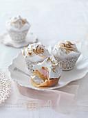 Neapolitanische Cupcakes mit Baiser