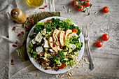 Kale and avocado salad with chicken