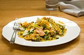 Kedgeree mit Lachs und Ei (Reisgericht, England)