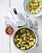 Süsskartoffel-Gnocchi mit gebrannter Salbeibutter und gerösteten Kürbiskernen