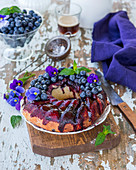 Yeast cake with blueberry caramel