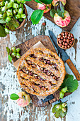 Apple and hazelnut pie with honey