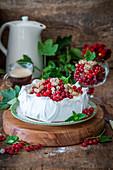 Currant pavlova cake