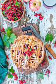 Apple pie with redcurrants