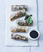 Vietnamesische Reisblattrollen mit Makrele